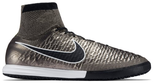 Бутсы Nike MAGISTAX PROXIMO IC