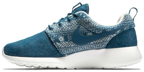 Кроссовки Nike WMNS ROSHE ONE WINTER